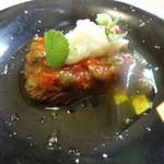 CaSa - アンガス牛のソテー、ピッツァイオーラ(ピザ職人風)ソース
