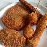 マルニシ - 揚げたてのアスパラ巻、エリンギ、うずら卵、コロッケ、ハムカツ (2014.08現在)