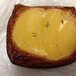 フクスケベーカリー - リンゴデニッシュ、カスタード絶品です