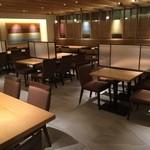 杜の都 太助 - 落ち着いた雰囲気の店内(テーブル席)