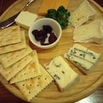 Biyaresutoranginzaraion - チーズ盛り合わせ1296円