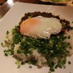 南国屋 - 料理写真:牛ひき肉と香草炒めご飯 ~ガパオ~ 920円