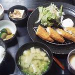 外輪 - 白身魚のフライ定食 680円