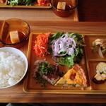 カフェ アウル - アウルランチ(スペシャル)スープ・ドリンク・ケーキ付き【1380円】