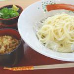 阿倍野だんご本舗 - 料理写真:冷やし素麺と炊き込みご飯セット