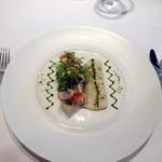 29803812 - 前菜:活〆ハモのグリエ インゲンとクルミのサラダ パセリオイル
