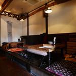 ガラクッタ - 知人の家を訪れたような懐かしさと暖かみを感じさせるお店