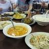 Restoran Nyonya Sayang Sdn. Bhd. - 料理写真:ニョニャ料理はマレー料理と中国料理がミックスして産まれた料理なんでこの日の料理も円卓でサービスされました。