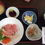 堀添食堂 - 大トロ定食/¥1200 (えび、いくらも乗って、味噌汁、漬物、更に一皿付いてこの値段!!)