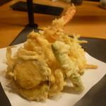 越後長岡 小嶋屋 - 天ぷらもボリューム満点でさくさくです