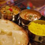 インド料理夢タージマハール吉祥寺 - ベジタブルセット(ナンはチーズナン)