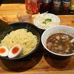 でびっと - つけ麺(あつもり)770円 ・ ランチセットA150円 ・ モヤシ50円
