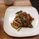 29817985 - 鶏肉のカキ油炒め。美味し。