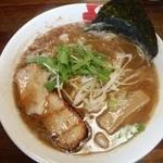 京都ラーメンとりの助 - 料理写真:(凝縮)魚介醤油650円 上部にはかつお節