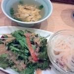 Mangotsurikafe - ランチセットにもれなくついてくる前菜セット