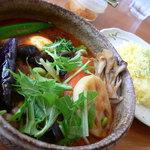 カレー気分 - チキン野菜(1080円)+舞茸