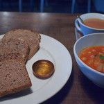 Hygge - スープとはちはちさんの自然酵母のパン
