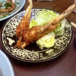 中華料理 かえる - 蛙の唐揚げ(¥800)