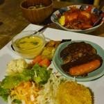 Moon Talk - 料理写真:スプリング オムハヤシ かぼちゃコロッケとハンバーグプレート サラダ デザート付