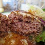 洋食 さかぐち - Bランチ(チキン南蛮と煮込みハンバーグ)のハンバーグ