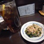 ちゃこーる - 料理写真:黒ホッピー(大)[590円]とゴーヤ漬け