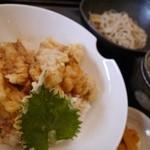 家楽 - 料理写真:鶏天丼定食 蕎麦付き910円