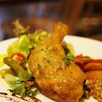 ピープル アンド シングス バイ ショーパーティ - 大山鶏 骨付きもも肉のコンフィ