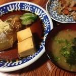 荒磯 - カレイ煮付けと味噌汁