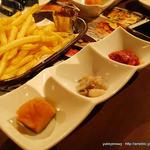 海鮮居酒屋 はなの舞 ルートイン湖西店 - 料理写真:お通し、ポテトフライ