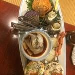 29848024 - 海賊焼き七種もり(いか、えび、牡蠣味噌焼き、あさり、はまぐり、長太郎貝、さざえ)