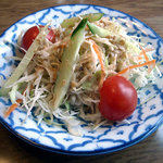 2985348 - 「鶏肉のレッドカレー」サラダ