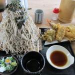 奥会津 - 海老と穴子の天麩羅のお蕎麦大盛(チョモランマ)です