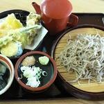 かざ車 - 料理写真:宮野そば(野菜天ぷら・小鉢付)