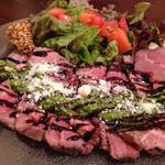 イタリア酒場料理 チーナ邸 - 牛肉のカルパッチョ