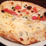 イタリア酒場料理 チーナ邸 - ピザ ハーフ&ハーフ