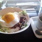 キース - ロコモコ丼