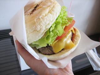 スマイルバーガー 清水寺店 - スマイルチーズ…重っ!!