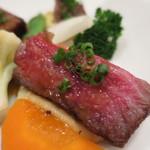 ISHIDA - 熊本県産黒毛和牛サーロインステーキ、ジュドヴィアンド、ジャガイモのピューレ