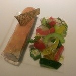 T+ - サーモンの冷製と夏野菜