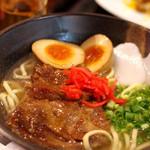 ハモニカ・クイナ - そーきそば味玉付き