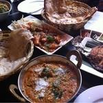 蓮池印度餐厅 -