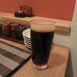 かまくら - 黒生。ワイングラスで日本酒もいただきました。
