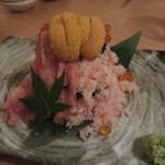 かまくら - こぼれ寿司。見た目は豪華なんだけど。。。