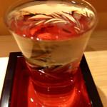 やま輝 - 立山・吟醸(900円しなかったと思います)。非常に口当たりのより吟醸ならではのフルーティーな香り。ついついテンポが速くなってしまいます。