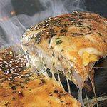 ナニワエン - チーズたっぷりのお好み焼き