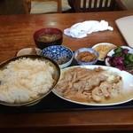 旬菜厨房 恵比須屋 - 生姜焼き定食ご飯特盛