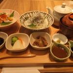 まま魚 - 海鮮丼と釜揚げしらす丼