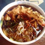 やま郷 - 料理写真:あぶくま蕎麦。1050円。 山菜+エビ天。なかなか美味しかったです!