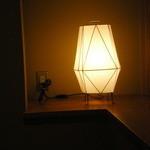 すき焼 藤尾 -  お部屋の電灯、その2です。