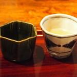 志蕎庵 江月 - 蕎麦ちょこは二つ、つゆが二種類出て来ます